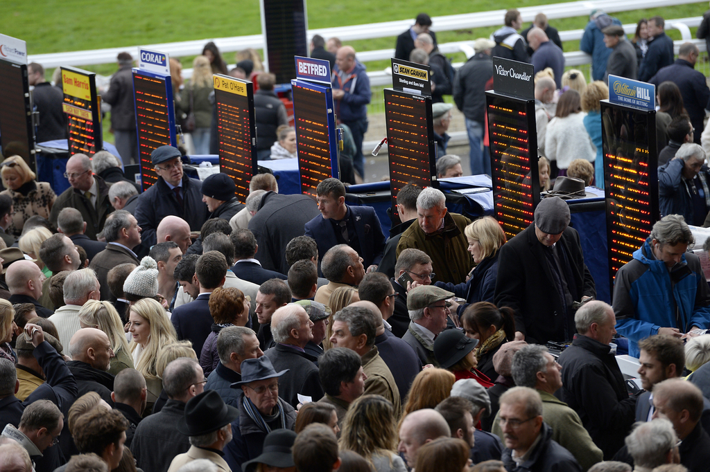 betting on course at cheltenham