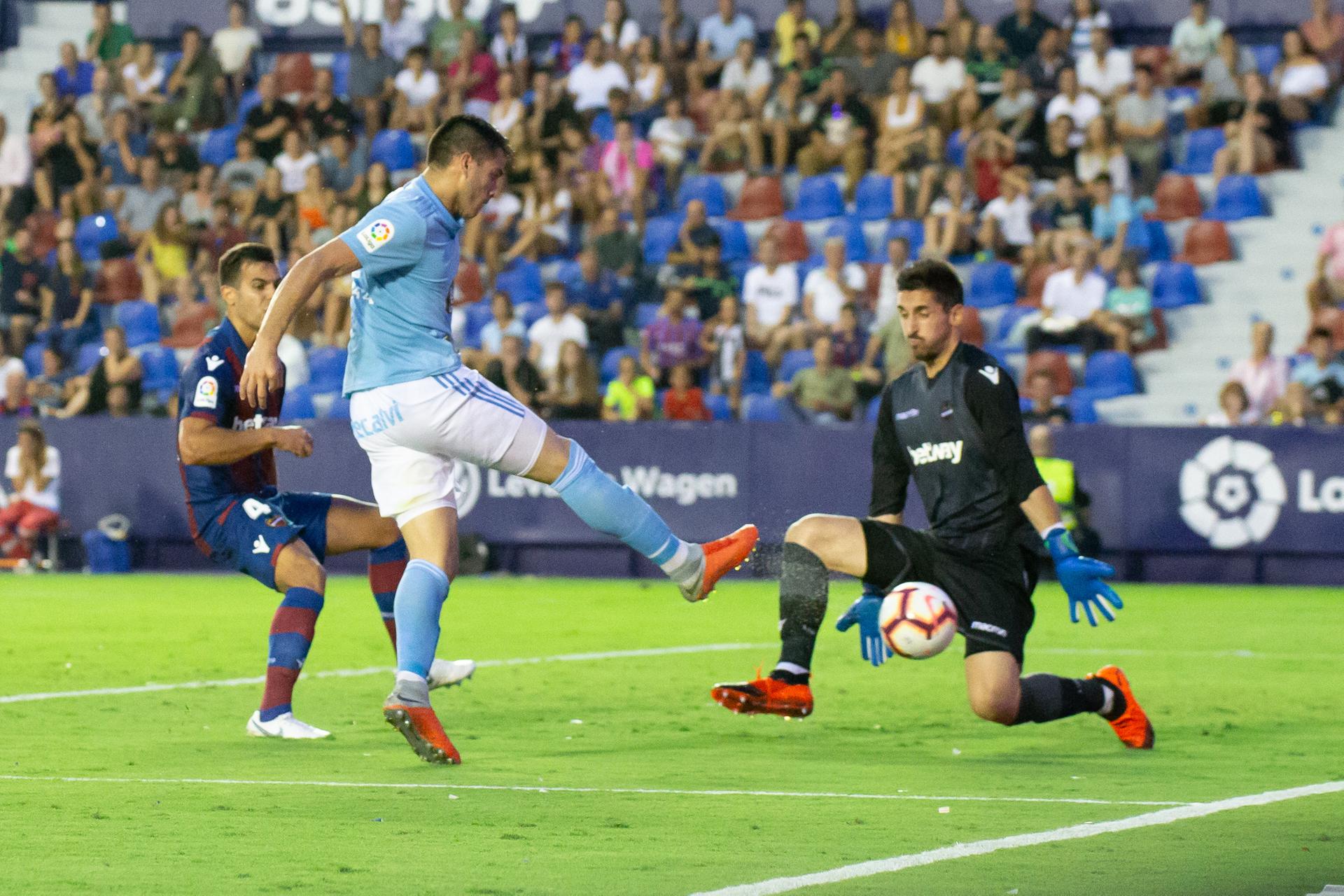 SOI KÈO NHÀ CÁI 26/11: Real Sociedad có chiến thắng đầu tay?